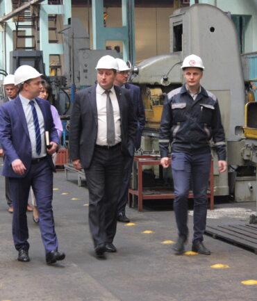 Визиты. Делегация во главе с генеральным директором БЕЛАЗА посетила Кузлитмаш.